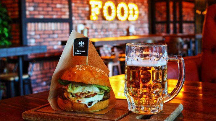 ハンバーガーとビールの値段で比較する世界主要都市別物価ランキング!